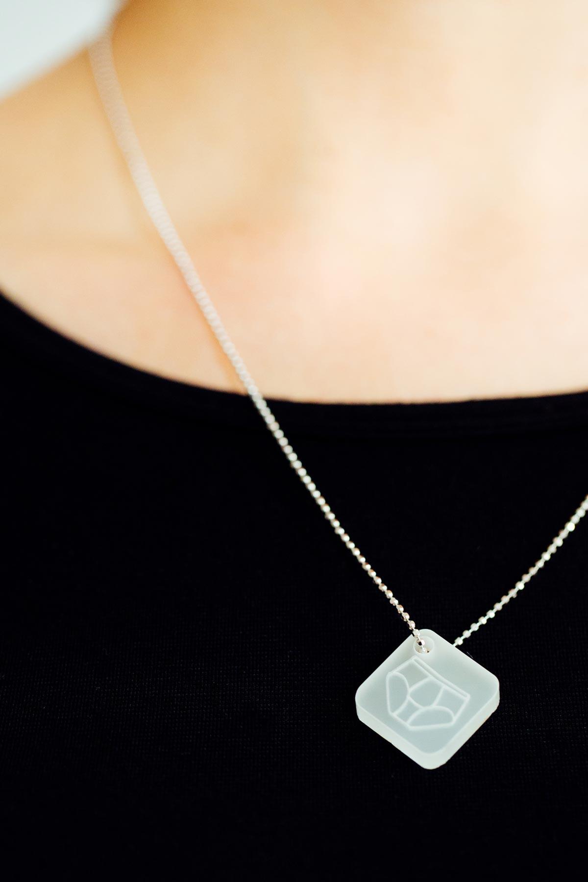 Plexiglas Berlin onnerboegs acrylglas jewelry made in berlin germany onnerboegs